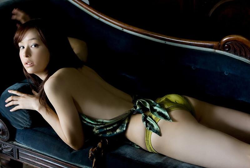 【乙黒えりグラビア画像】ハーフ美人女優の若い頃の水着姿やCM出演シーン 41