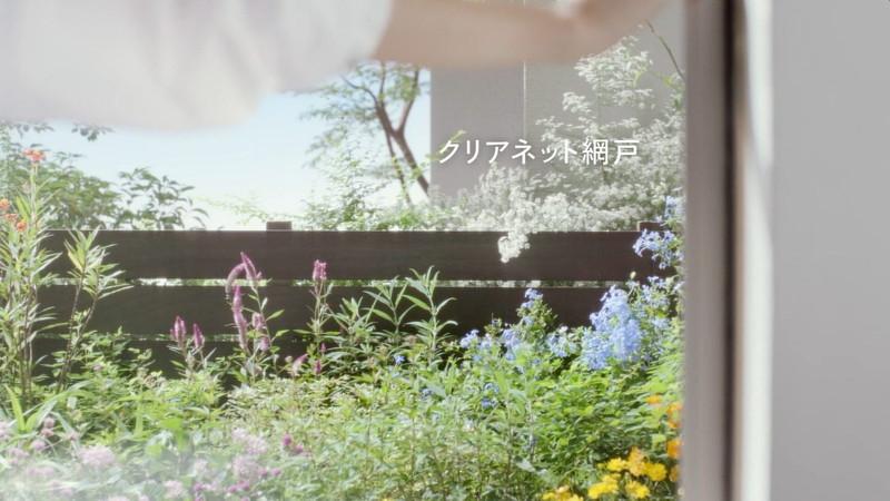 【乙黒えりグラビア画像】ハーフ美人女優の若い頃の水着姿やCM出演シーン 72