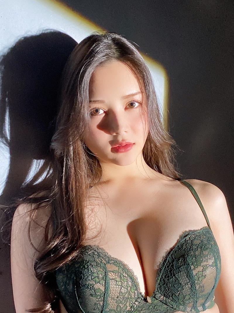 【白峰ミウエロ画像】グラドルデビューしてからあっと言う間にAV女優へ転向! 06