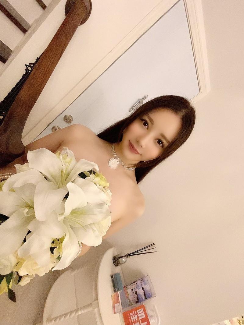 【白峰ミウエロ画像】グラドルデビューしてからあっと言う間にAV女優へ転向! 28