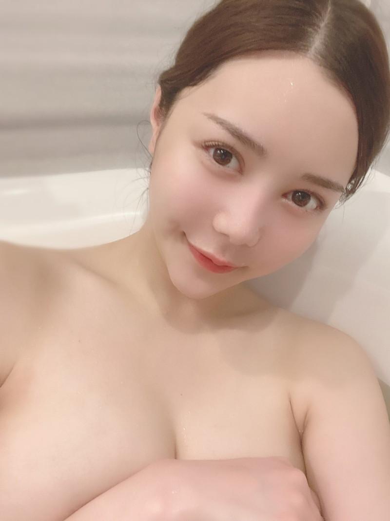 【白峰ミウエロ画像】グラドルデビューしてからあっと言う間にAV女優へ転向! 31
