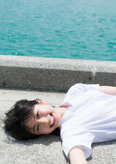 【池間夏海エロ画像】ショートカットが似合って可愛い美少女の水着姿 47