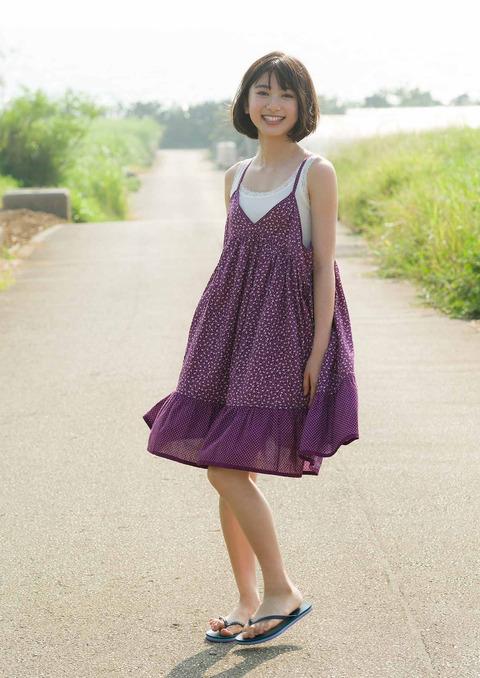 【池間夏海エロ画像】ショートカットが似合って可愛い美少女の水着姿 53