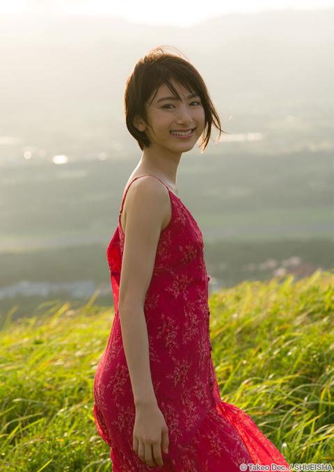 【池間夏海エロ画像】ショートカットが似合って可愛い美少女の水着姿 57