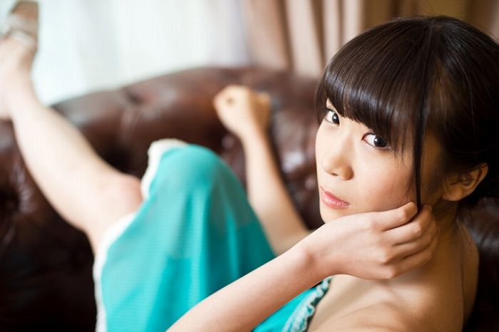 【秋元真夏グラビア画像】乃木坂46の2代目キャプテンが披露したビキニ姿 52
