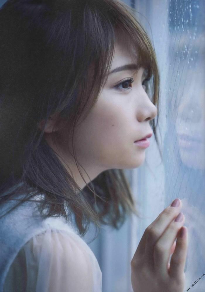 【秋元真夏グラビア画像】乃木坂46の2代目キャプテンが披露したビキニ姿 78