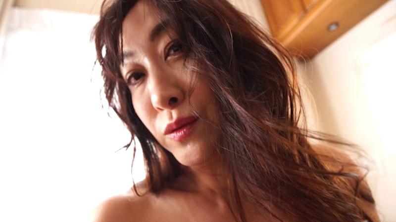 【沢地優佳キャプ画像】アラフィフ手前の熟女グラドルがまだまだやる気まんまん!? 24