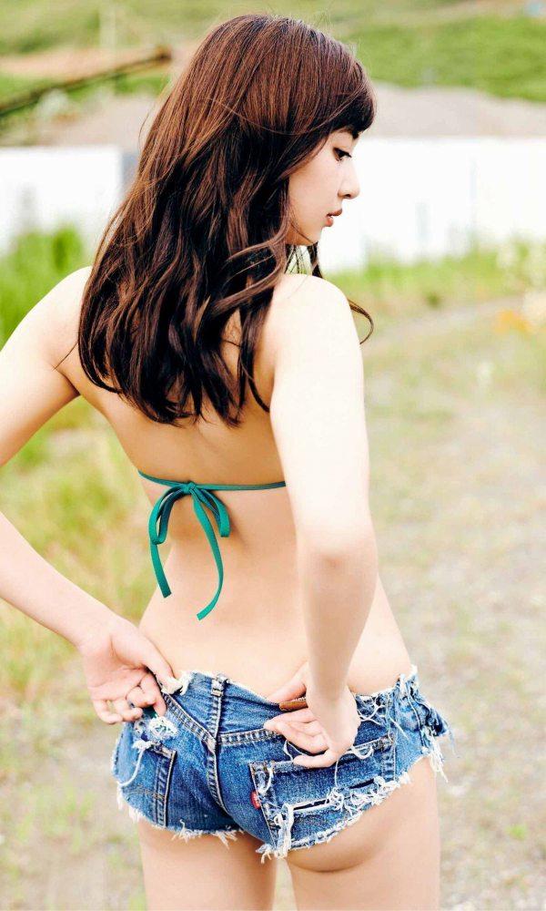 【小宮有紗グラビア画像】美脚で蹴られたい?スタイル抜群な水着姿がエロい戦隊ヒロイン 37