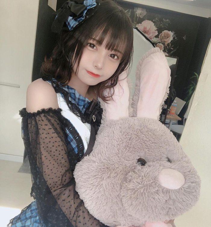 【宮崎あみさエロ画像】美少女の可愛い魅力が詰まったセルフィーとグラビア 16