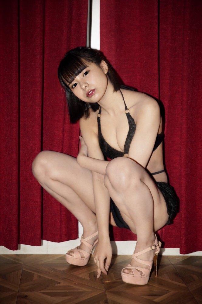 【宮崎あみさエロ画像】美少女の可愛い魅力が詰まったセルフィーとグラビア 74