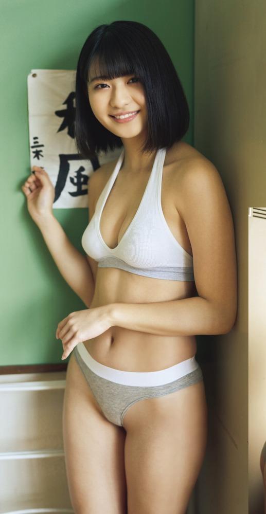 【やまだみなみエロ画像】笑顔が可愛い美少女アイドルのエッチな写真 03
