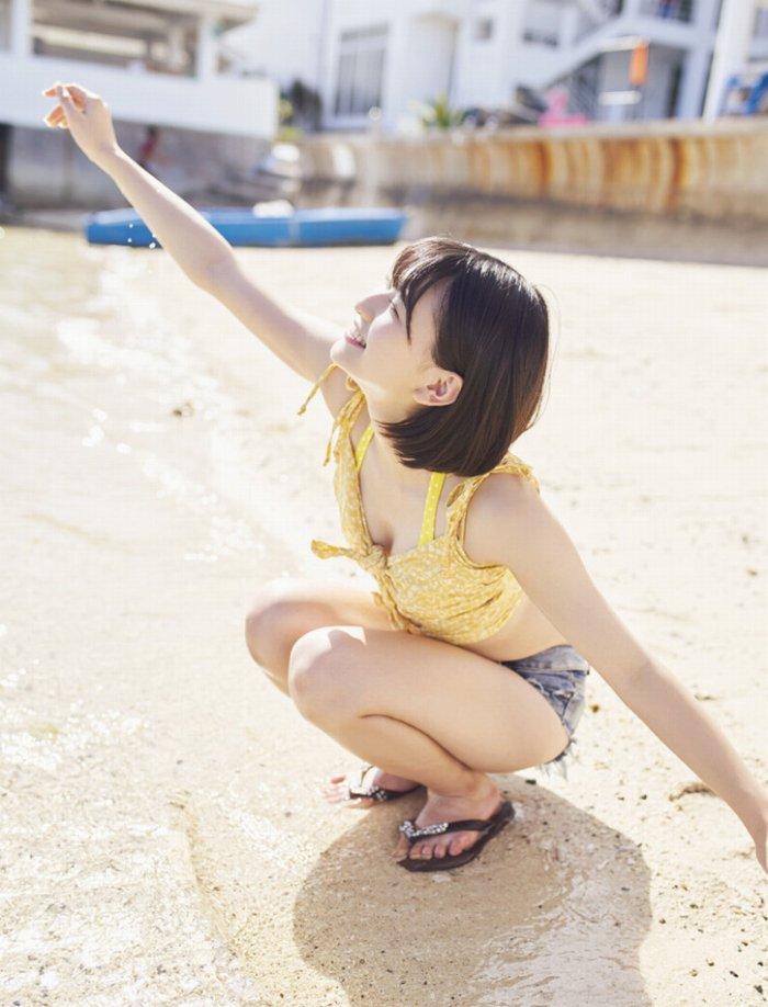 【やまだみなみエロ画像】笑顔が可愛い美少女アイドルのエッチな写真 09