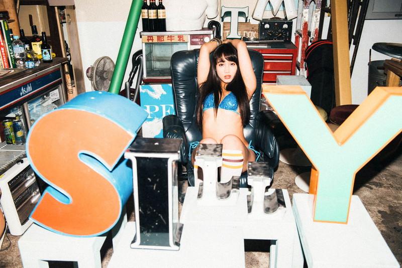 【岡田サリオグラビア画像】軟体ボディを活かした開脚とお尻がエロい! 10
