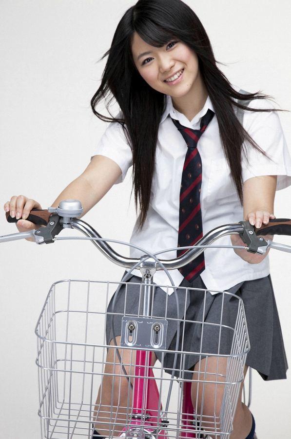 【山内鈴蘭お宝画像】現役グループアイドルの色々なちょいエロ画像 61