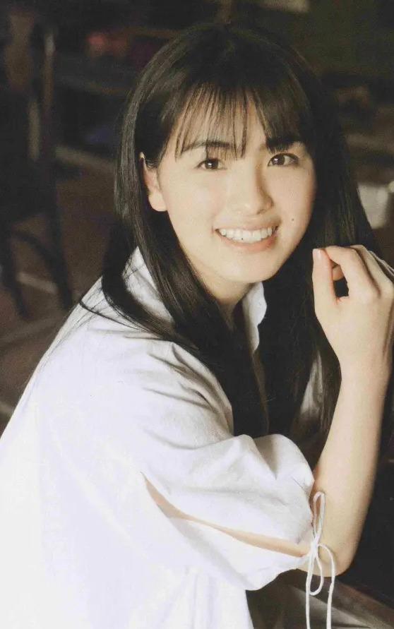 【大園桃子グラビア画像】笑顔と美脚が自慢の乃木坂46メンバーアイドル 21