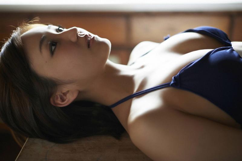 【上間凜子グラビア画像】高校を中退して初出演作が「高校デビュー」wwww 72