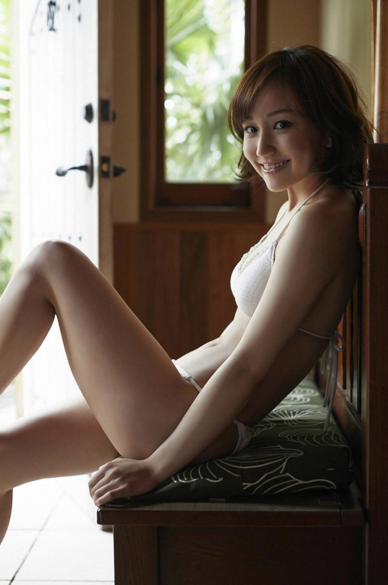 【上間凜子グラビア画像】高校を中退して初出演作が「高校デビュー」wwww 75