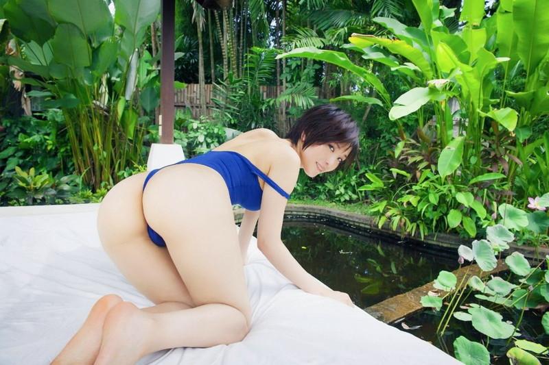 【朝比奈裕未エロ画像】現役アラサータレントの美尻がエッチなビキニ姿 06
