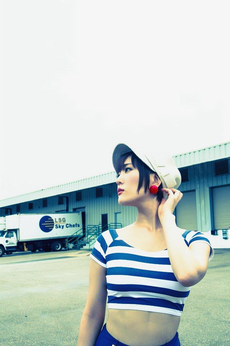 【朝比奈裕未エロ画像】現役アラサータレントの美尻がエッチなビキニ姿 63