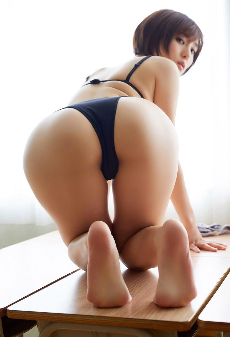 【朝比奈裕未エロ画像】現役アラサータレントの美尻がエッチなビキニ姿 69
