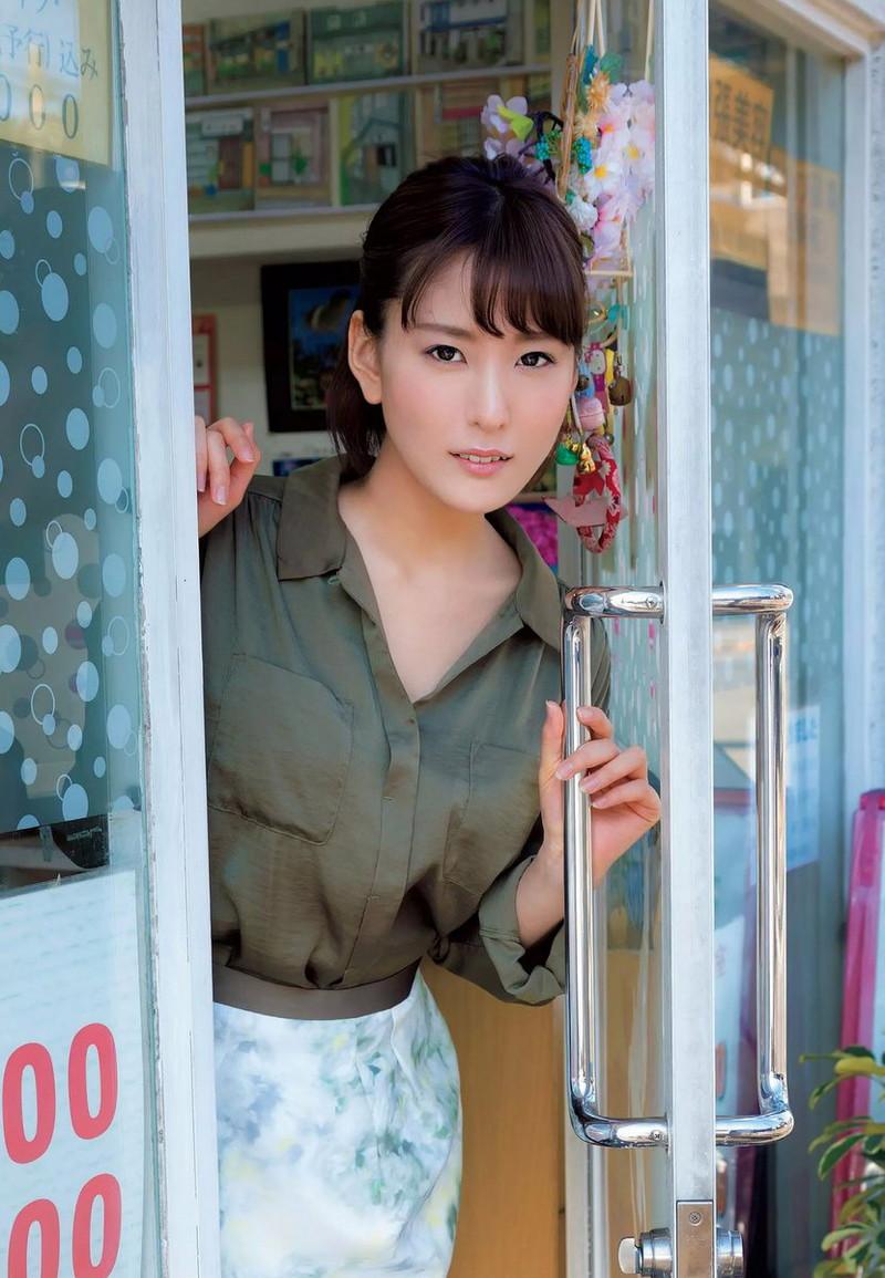 【朝比奈裕未エロ画像】現役アラサータレントの美尻がエッチなビキニ姿 71