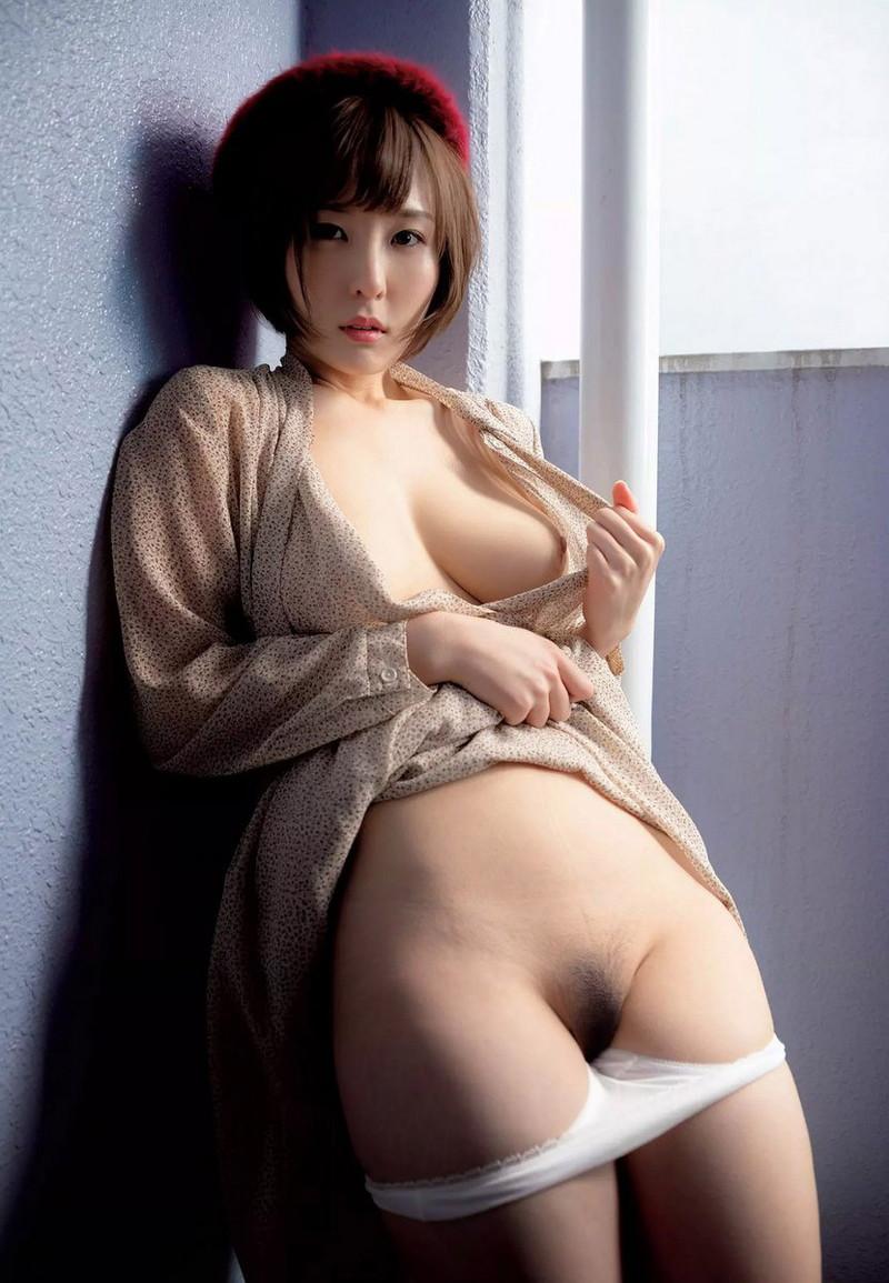 【朝比奈裕未エロ画像】現役アラサータレントの美尻がエッチなビキニ姿 72