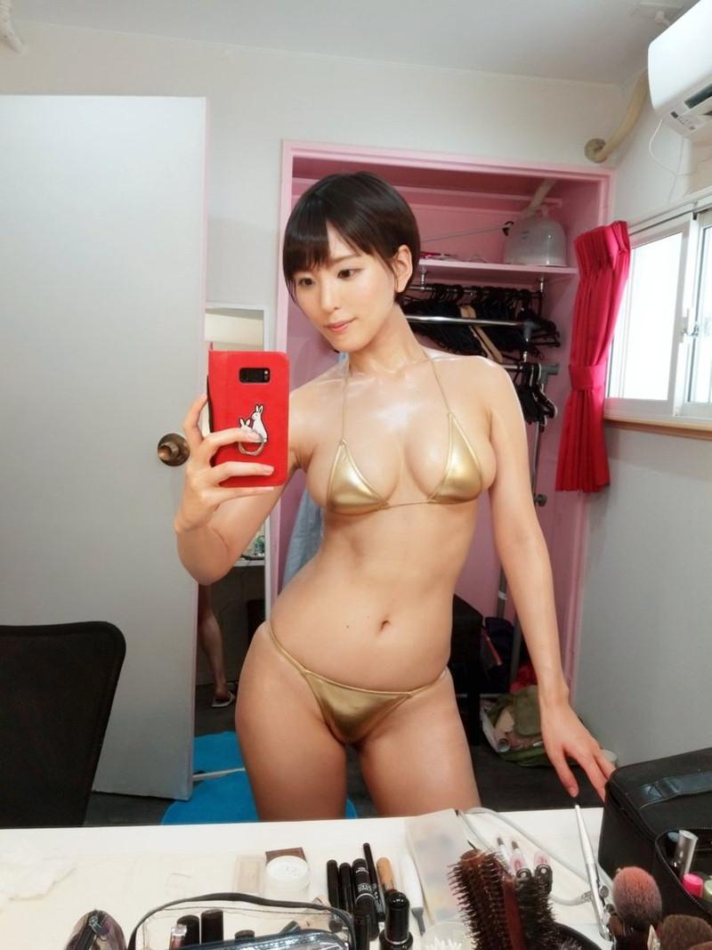 【朝比奈裕未エロ画像】現役アラサータレントの美尻がエッチなビキニ姿 75