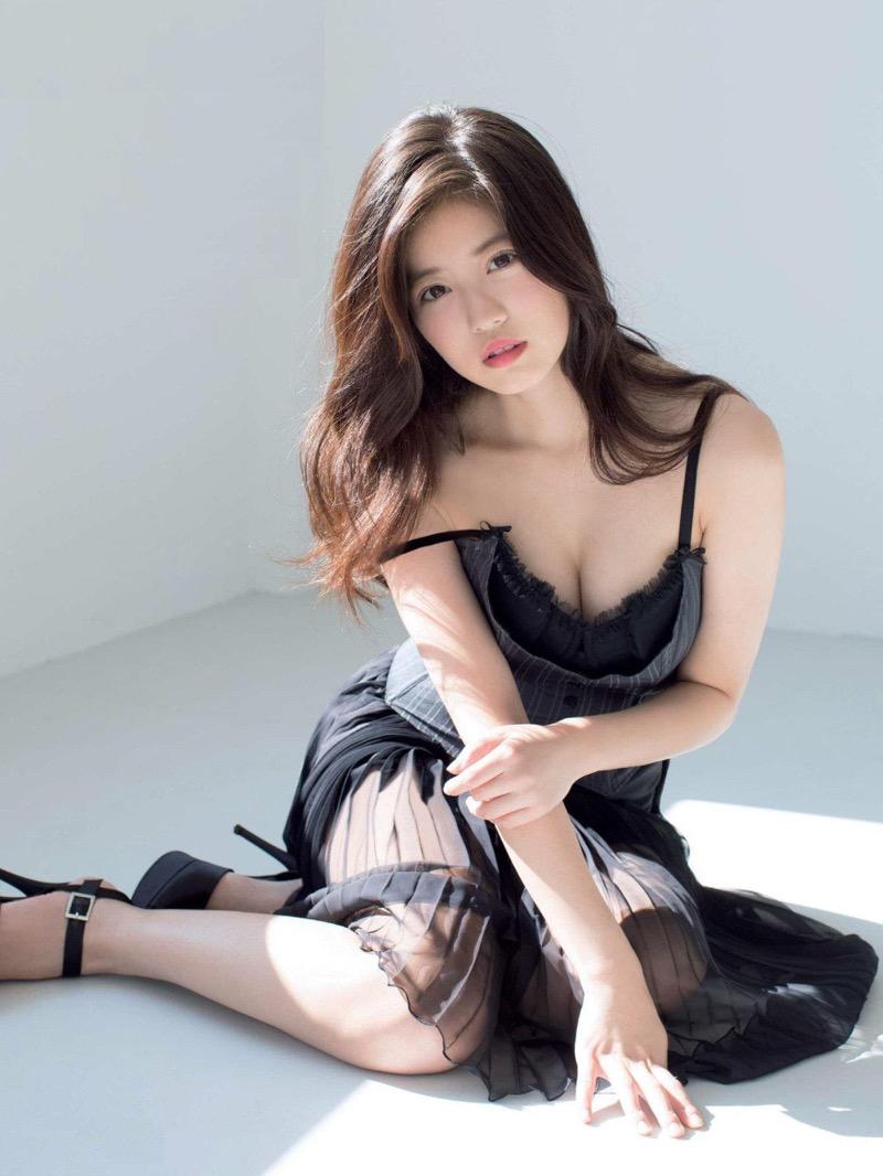 【今田美桜グラビア画像】「世界で最も美しい顔100人」にノミネートされた美人女優 25