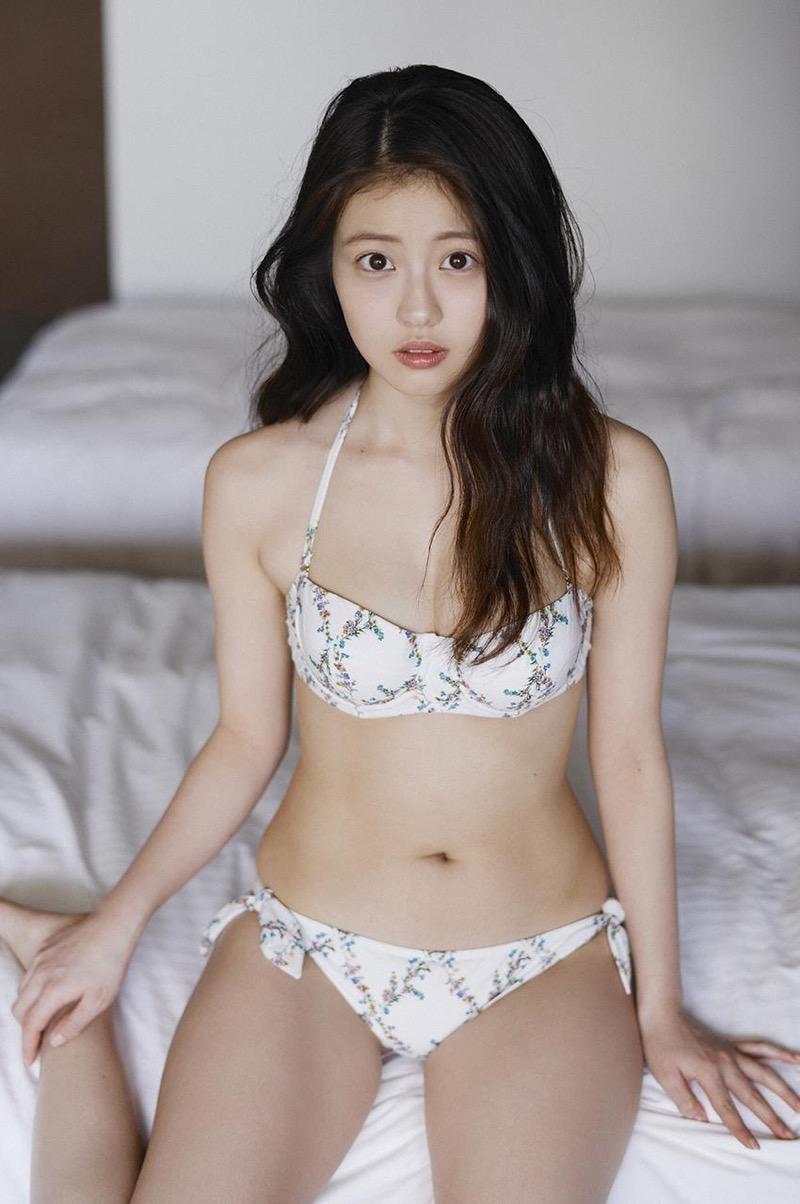 【今田美桜グラビア画像】「世界で最も美しい顔100人」にノミネートされた美人女優 27