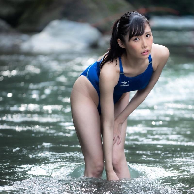 【稲森美優エロ画像】競泳水着のお姉さんが魅せるハイレグ美ボディ 18