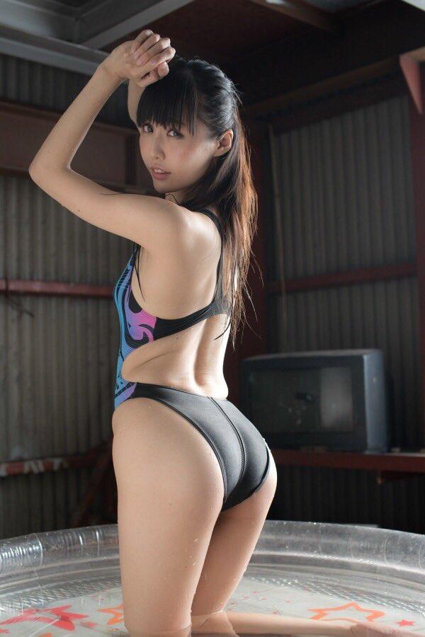 【稲森美優エロ画像】競泳水着のお姉さんが魅せるハイレグ美ボディ 36