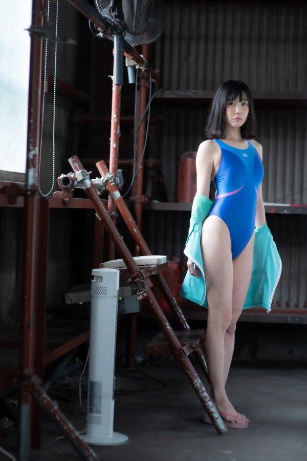 【稲森美優エロ画像】競泳水着のお姉さんが魅せるハイレグ美ボディ 50