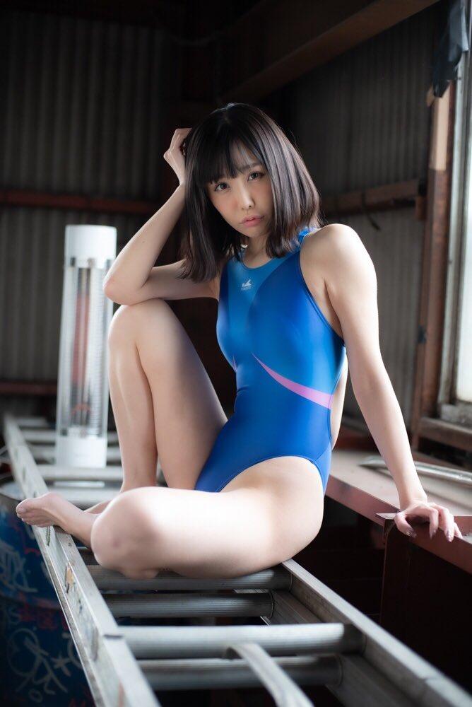 【稲森美優エロ画像】競泳水着のお姉さんが魅せるハイレグ美ボディ 56