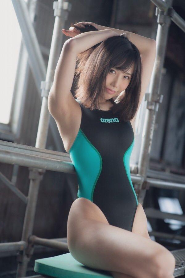 【稲森美優エロ画像】競泳水着のお姉さんが魅せるハイレグ美ボディ 61