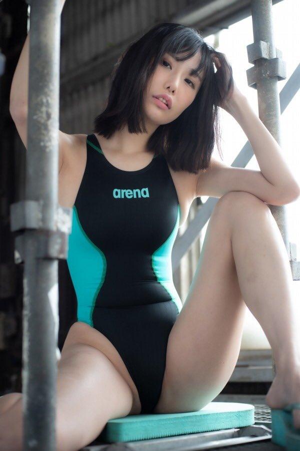 【稲森美優エロ画像】競泳水着のお姉さんが魅せるハイレグ美ボディ 62