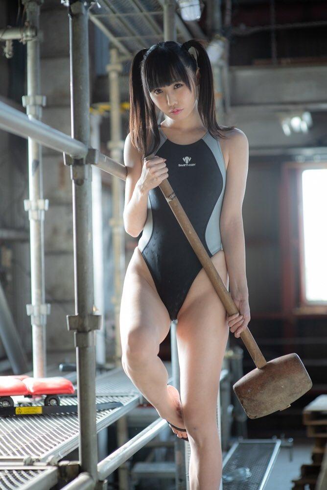 【稲森美優エロ画像】競泳水着のお姉さんが魅せるハイレグ美ボディ 69