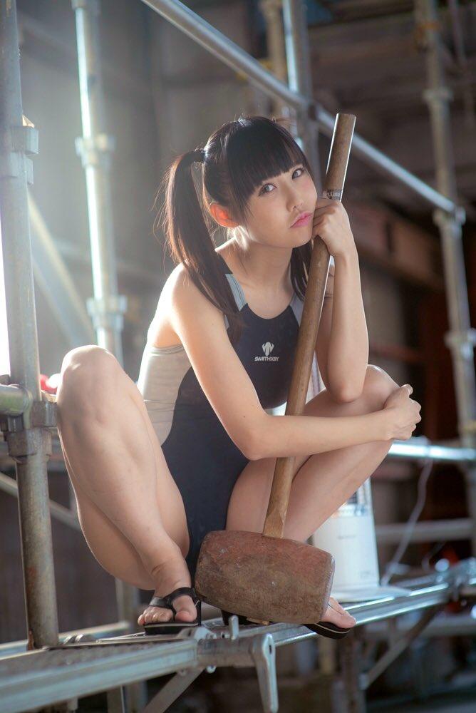【稲森美優エロ画像】競泳水着のお姉さんが魅せるハイレグ美ボディ 73