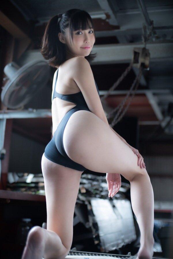 【稲森美優エロ画像】競泳水着のお姉さんが魅せるハイレグ美ボディ 79