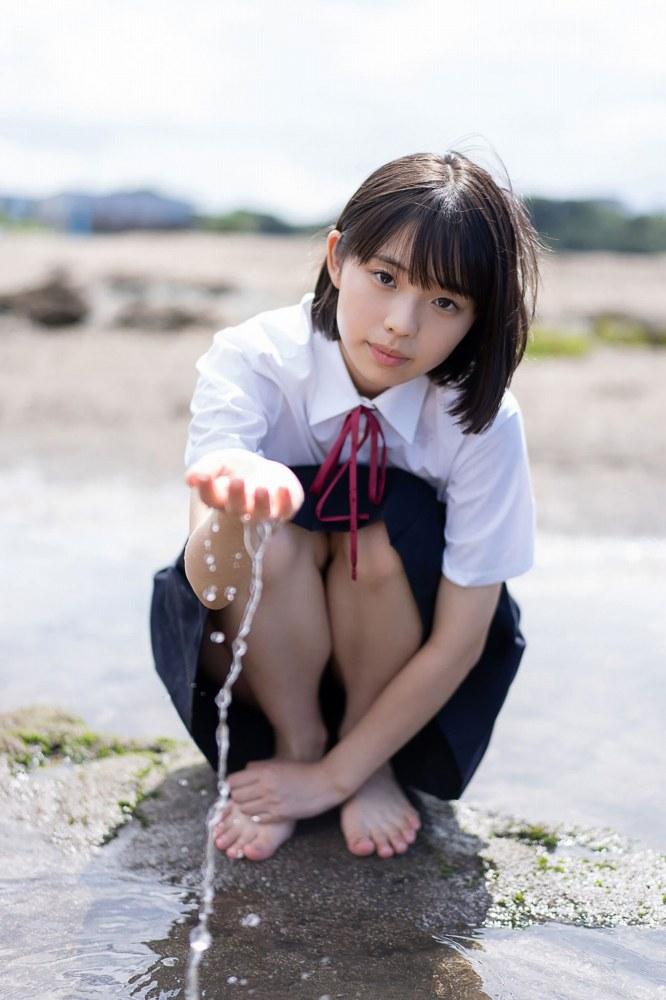 【菊池姫奈グラビア画像】素朴な感じの美少女感が可愛らしい現役女子校生 54