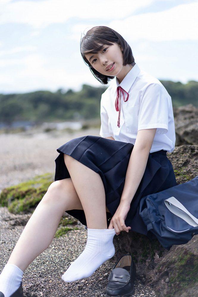 【菊池姫奈グラビア画像】素朴な感じの美少女感が可愛らしい現役女子校生 55