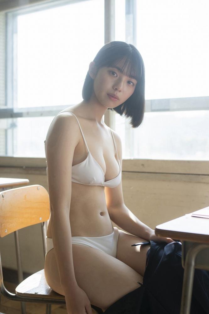 【菊池姫奈グラビア画像】素朴な感じの美少女感が可愛らしい現役女子校生 60