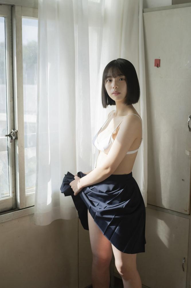 【菊池姫奈グラビア画像】素朴な感じの美少女感が可愛らしい現役女子校生 66