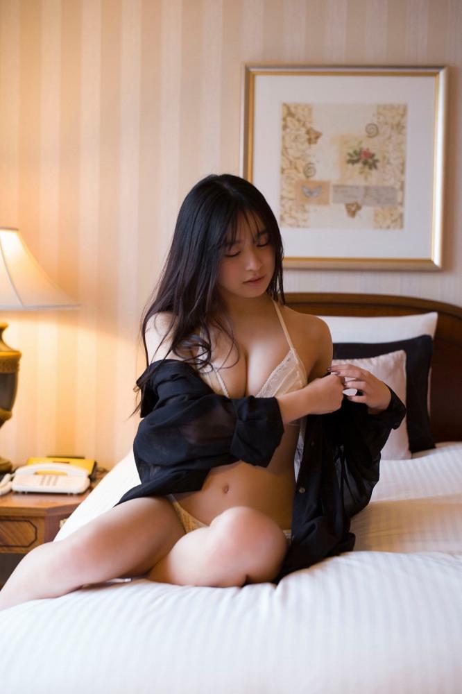 【早川渚紗グラビア画像】スリーサイズ以上におっぱいが大きく見える! 18