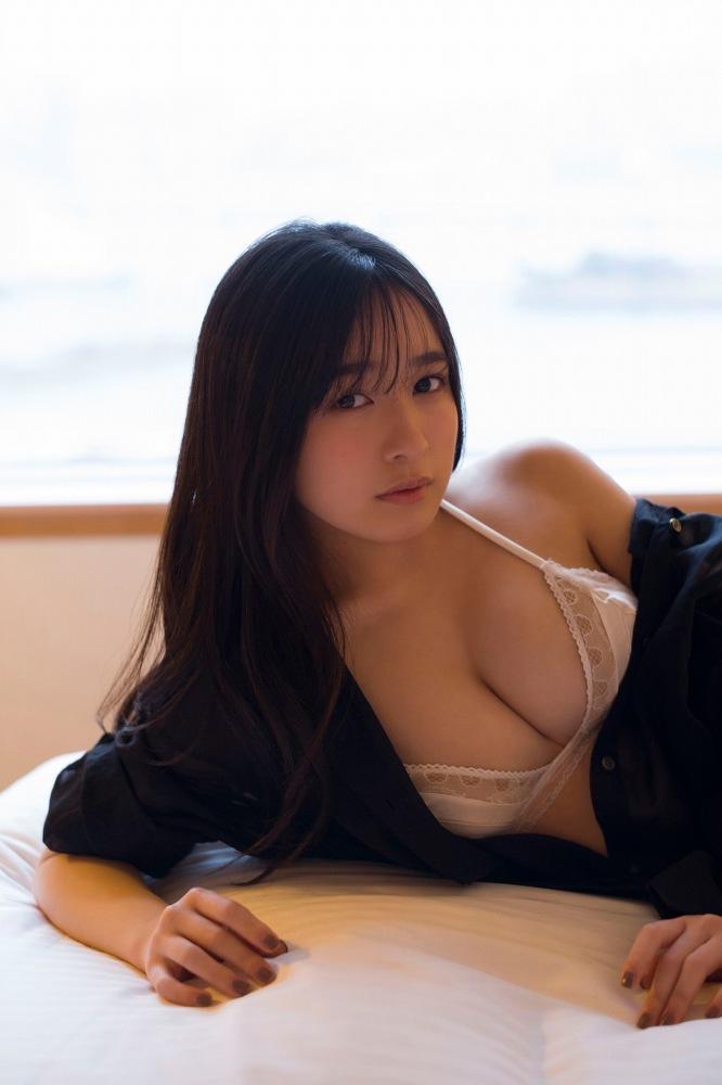 【早川渚紗グラビア画像】スリーサイズ以上におっぱいが大きく見える! 19
