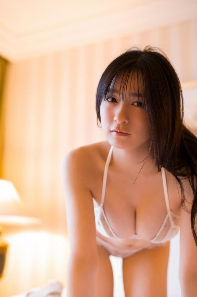 【早川渚紗グラビア画像】スリーサイズ以上におっぱいが大きく見える! 20