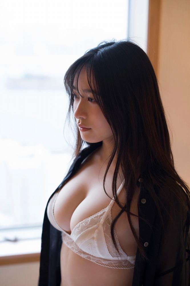 【早川渚紗グラビア画像】スリーサイズ以上におっぱいが大きく見える! 22