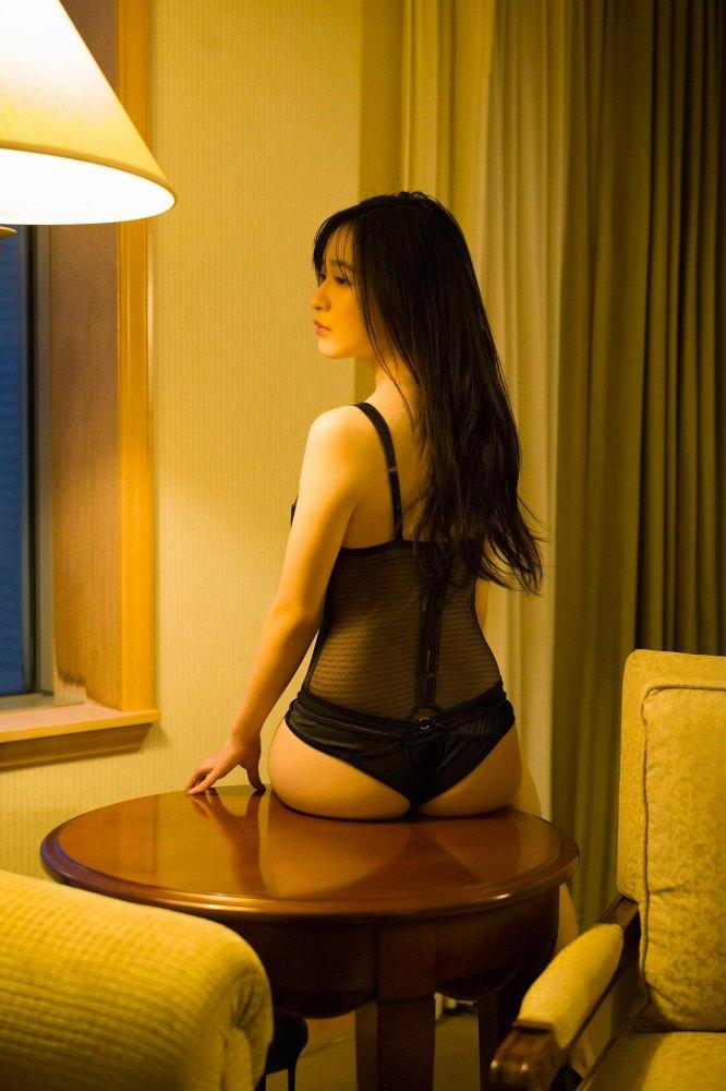 【早川渚紗グラビア画像】スリーサイズ以上におっぱいが大きく見える! 25