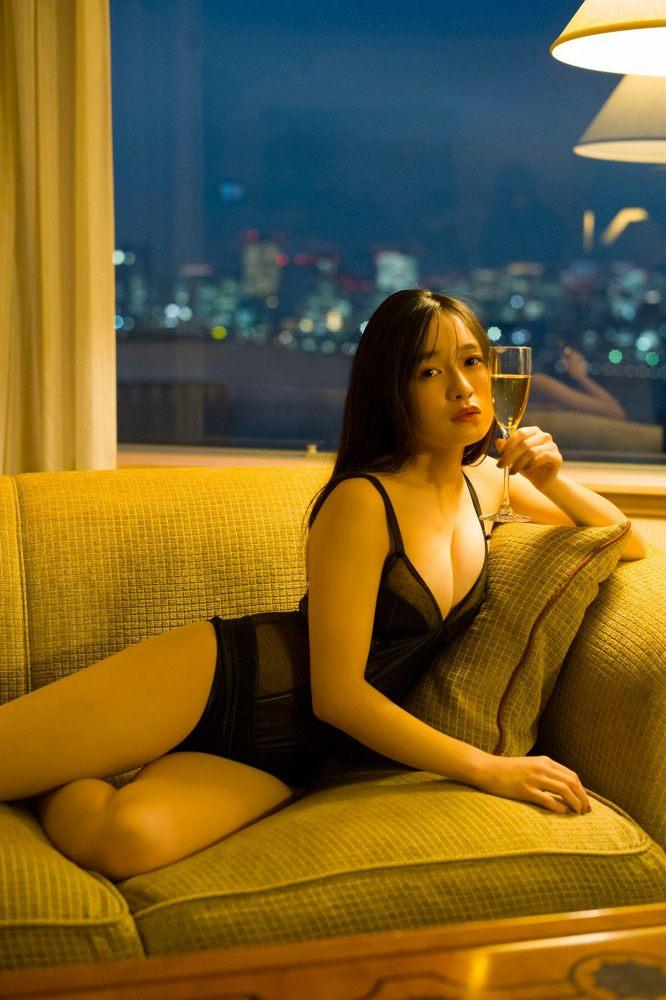 【早川渚紗グラビア画像】スリーサイズ以上におっぱいが大きく見える! 29