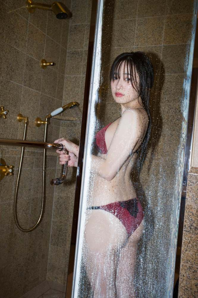 【早川渚紗グラビア画像】スリーサイズ以上におっぱいが大きく見える! 36