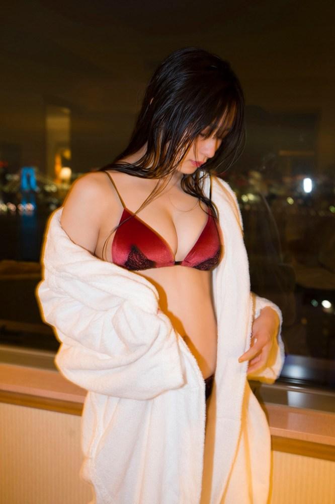 【早川渚紗グラビア画像】スリーサイズ以上におっぱいが大きく見える! 39
